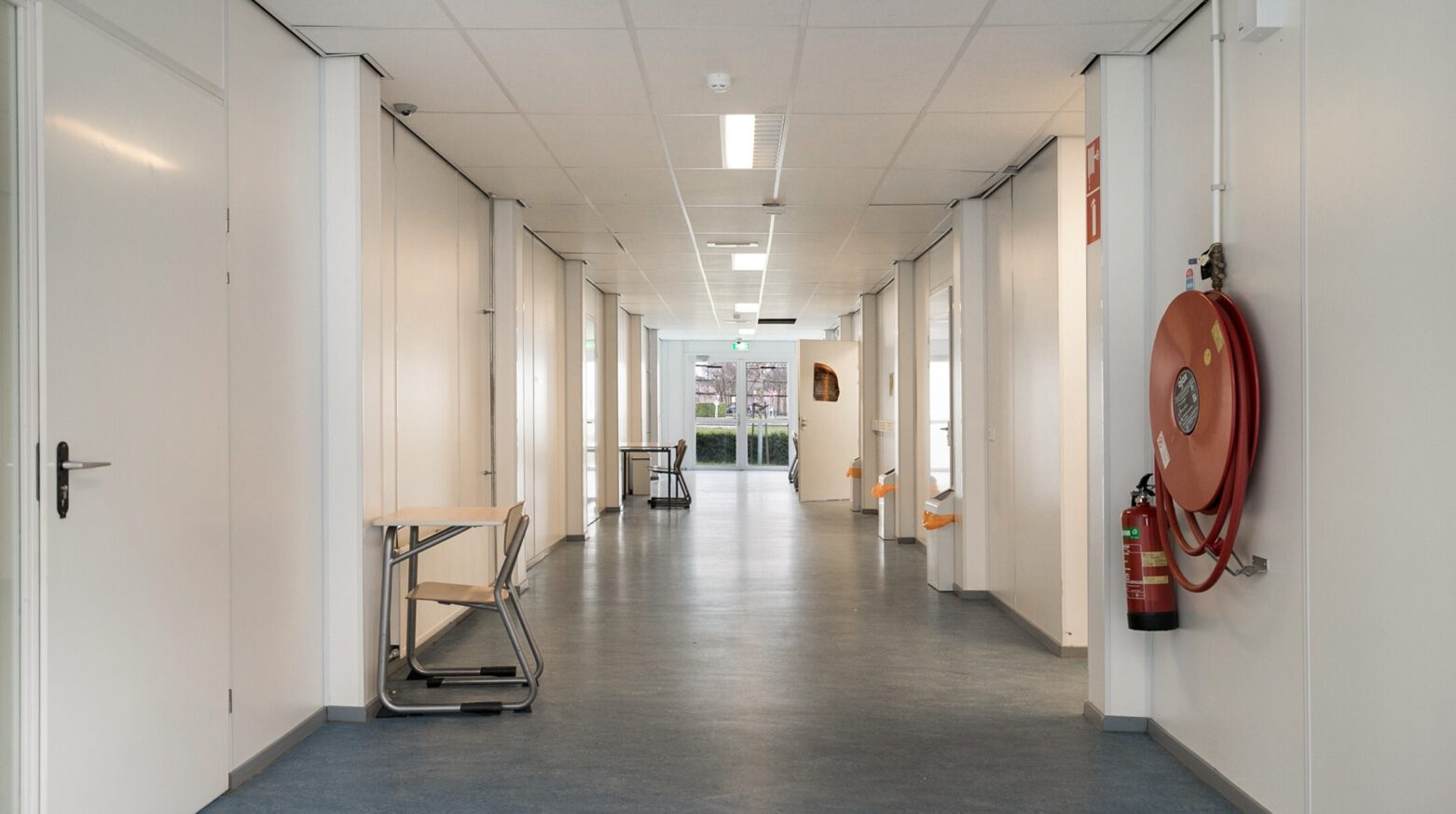 Schoolgebouw 05